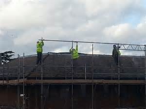 scaffolders working unsafely 1