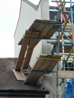 unsafe scaffold working platform
